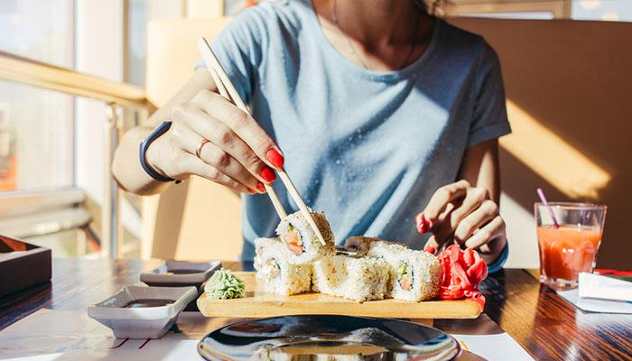 sushi-day-food-lifestyle-1