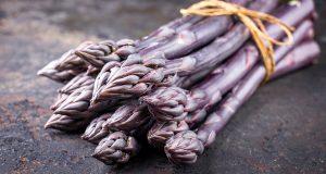 asparago violetto food lifestyle
