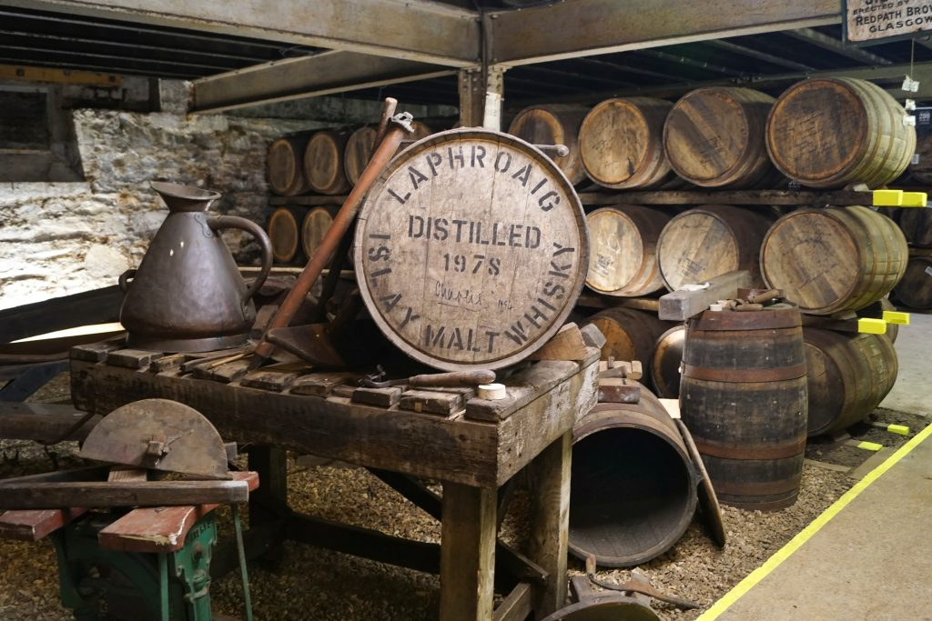 islay-distilleria-galleggiante-food-lifestyle-1
