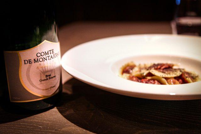 comte-de-montaigne-food-lifestyle